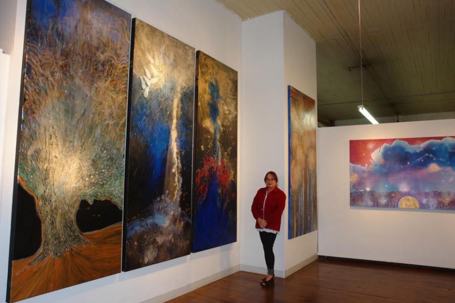 Loft 2 Gallery, November 2013